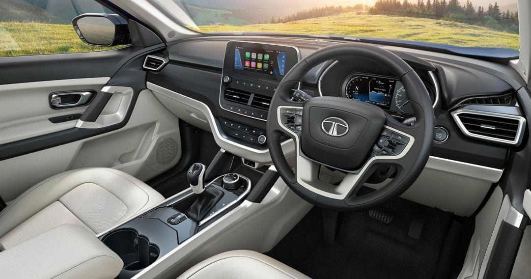 Tata Safari Vs MG Hector Plus - Detailed Comparison