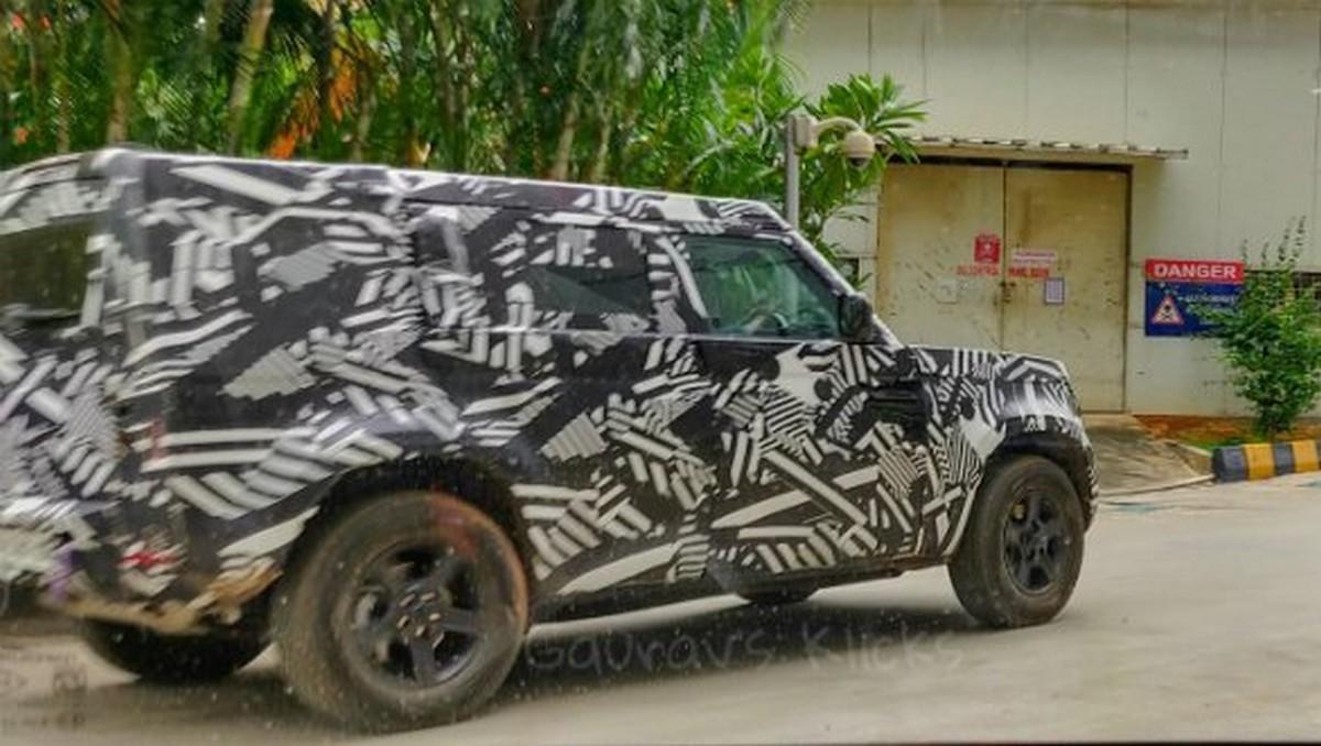 2020 Land Rover Defender spy pic