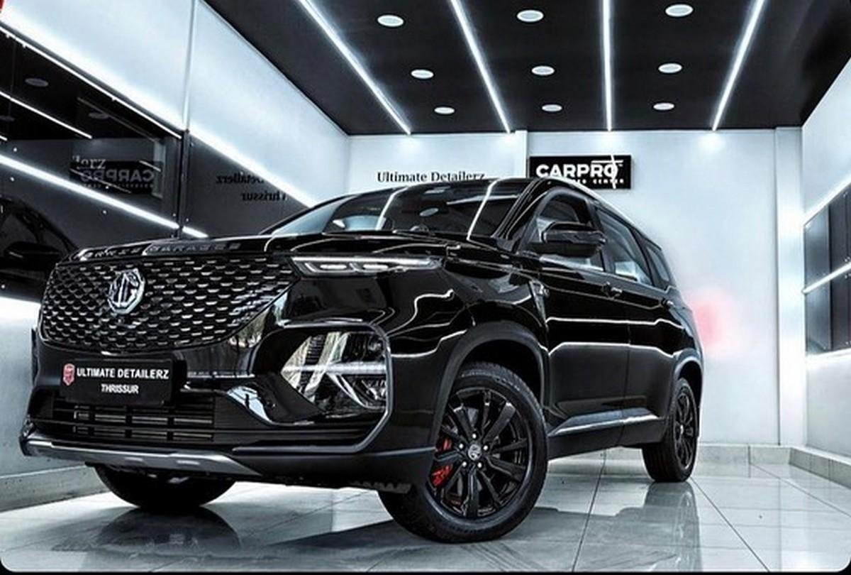 Front-side-fascia-of-MG-Hector-Plus