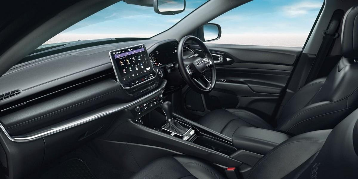jeep-compass-interior-front-seat