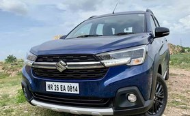 2019 Maruti XL6 blue front angle