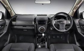 2019 Isuzu D-Max V-Cross interior dashboard layout