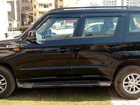 Used Mahindra TUV300 car at low price