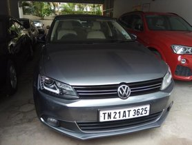 Used Volkswagen Jetta 2.0L TDI Highline AT 2014 by owner
