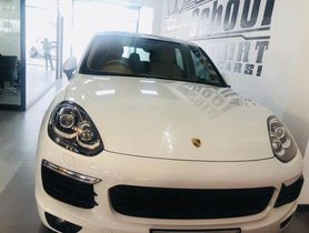 Used Porsche Cayenne car at low price