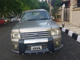 Well-kept 2005 Ford Endeavour for sale