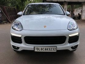 Used Porsche Cayenne Diesel 2015 in New Delhi
