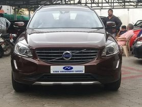 Used Volvo XC60 car for sale at low price