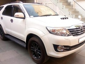 Used Toyota Fortuner 2.8 2WD AT 2015 by owner