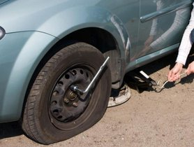 How to Handle and Prevent A Tyre Burst or Blowout
