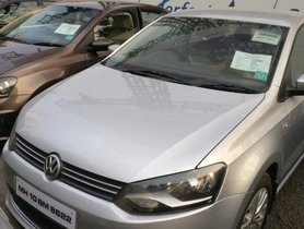 Volkswagen Vento IPL II Petrol Highline AT 2015 by owner