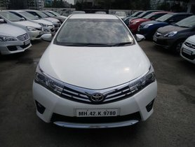 Good as new 2015 Toyota Corolla Altis for sale at low price