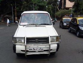 Used Toyota Qualis FS B1 2001 in Mumbai