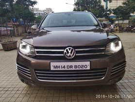 Used Volkswagen Touareg 3.0 V6 TDI 2012 by owner