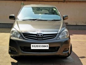 Used 2011Toyota Innova car at low price