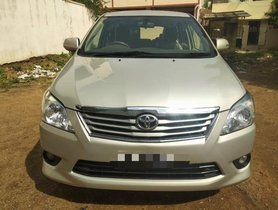 Good as new 2013 Toyota Innova for sale at low price