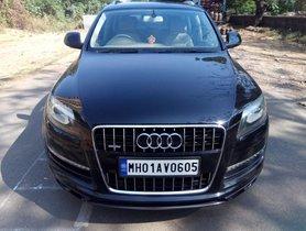 Used Audi Q7 2010 car at low price