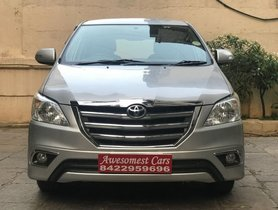 Used Toyota Innova 2.5 V Diesel 7-seater by owner