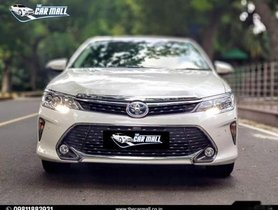 Used Toyota Camry 2016 car at low price