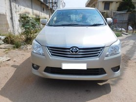 Used 2013 Toyota Innova car at low price