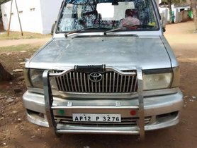 Used Toyota Qualis car 2003 for sale at low price