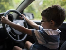 Driving With Children Isn't the Easiest of Tasks, Here's What You Should Keep in Mind