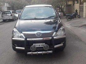 Used Toyota Innova 2007 car at low price