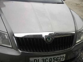 Used Skoda Laura Ambiente 2.0 TDI CR AT 2010 for sale