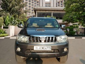 Toyota Fortuner 3.0 4x2 MT, 2010, Diesel for sale