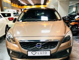Used Volvo V40 Cross Country car at low price