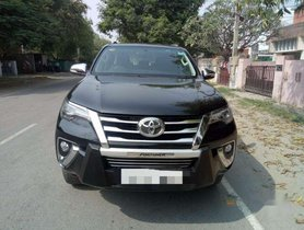 Toyota Fortuner 4x2 AT 2017 for sale