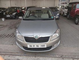 Used Skoda Rapid car at low price