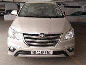 Toyota Innova 2.5 V Diesel 8-seater by owner