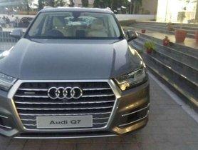 Used Audi Q7 car at low price