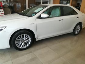 Toyota Camry Hybrid AT for sale
