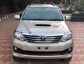 Toyota Fortuner 4x2 AT 2015 for sale