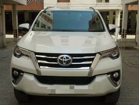 Used Toyota Fortuner  2.8 2WD AT car at low price