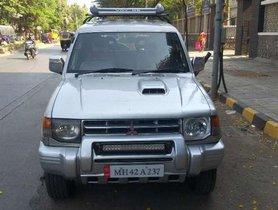 Used Mitsubishi Pajero car at low price