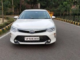 Used Toyota Camry Hybrid 2.5 AT 2016 for sale