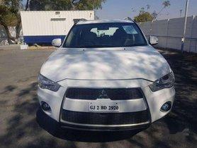 Used Mitsubishi Outlander car 2.4 AT at low price