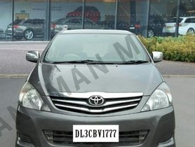 2011 Toyota Innova 2.5 V 7 Seater Diesel MT for sale in New Delhi