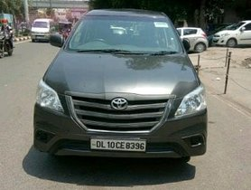 2015 Toyota Innova Diesel MT for sale in New Delhi