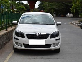 Used Skoda Rapid 1.6 MPI Ambition MT car at low price