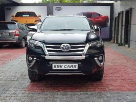 Used Toyota Fortuner car 4x4 AT for sale at low price