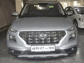 This Seems To Be India's First Hyundai Venue To Go On Sale In Second-hand Market