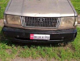 Used Toyota Qualis FS B1 MT 2004 for sale