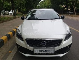 Used Volvo V40 Cross Country  T4 AT car at low price