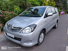Toyota Innova 2.5 V 8 STR, 2010, Diesel MT for sale