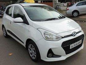 Used Hyundai Grand i10 MT car at low price