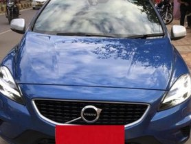 Used Volvo V40 AT for sale at low price